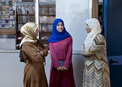 004 Donne all'interno della Moschea Taiba