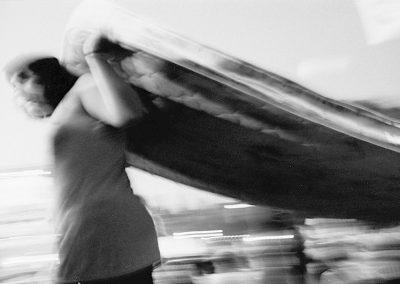 Ogni quindici minuti una famiglia viene espulsa dalla propria casa in Spagna perché non è in grado di soddisfare le rate del mutuo. Nel 2012 ci sono stati 30.034 sfratti di famiglie. La fonte di questi dati è l'ultimo rapporto del registro fondiario, la fonte più affidabile di informazioni, data l'assenza di statistiche ufficiali che riguardano specificamente gli sfratti. Ciò si verifica in un contesto in cui ci sono 3,4 milioni di case libere in tutta la Spagna.