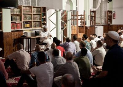 012 Durante l'ultima preghiera rituale della giornata, Moschea Omar Ibn Al-Khattab