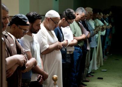 013 Uomini in preghiera, Moschea Baretti