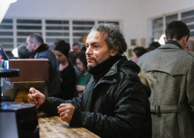 L'artista Roque Facci, autore dei premi